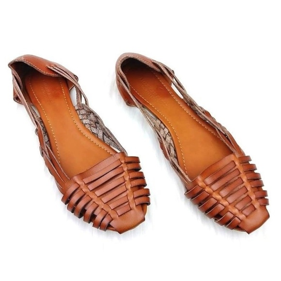 67fcd50a958ca NEW American Eagle Woven Huarache Leather Flats